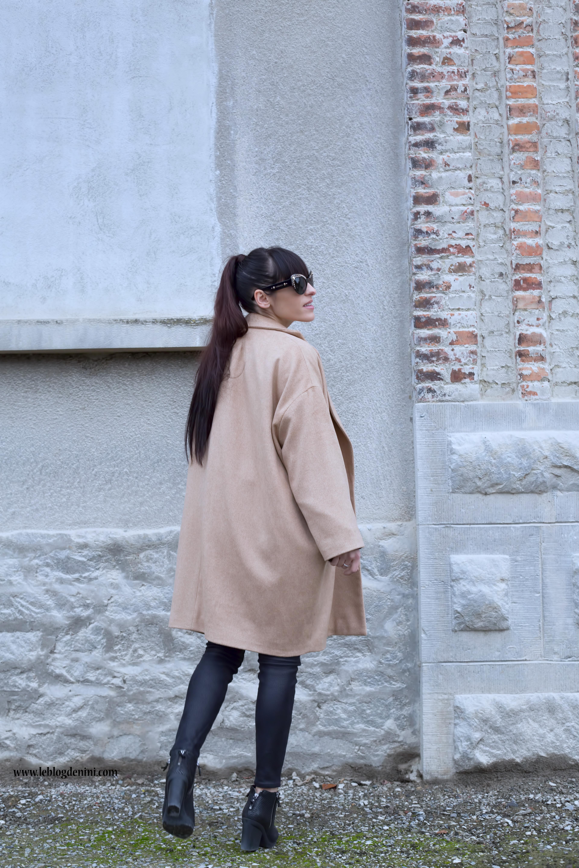 Le Look Manteau Total Un Black… Camel Sur WHYDIbE9e2