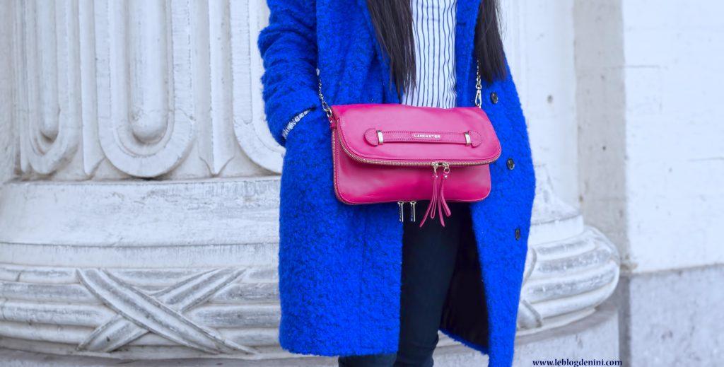 manteau bleu samsoe et sac fuschia lancaster