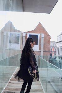 zara robe en dentelle noire