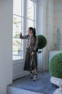 look with leopard jacket